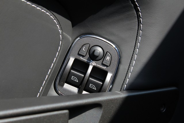 23_dynamic-motors.com.ua_Aston_Martin_V8_Vantage