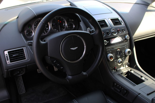 24_dynamic-motors.com.ua_Aston_Martin_V8_Vantage