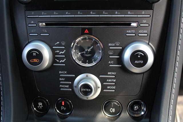 33_dynamic-motors.com.ua_Aston_Martin_V8_Vantage