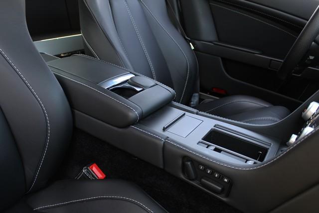 34_dynamic-motors.com.ua_Aston_Martin_V8_Vantage
