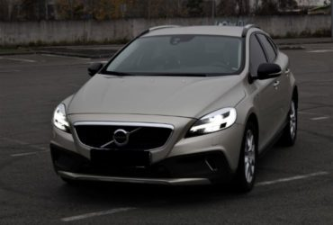 01z_-volvo-v40-cross-country